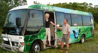 tour-bus-9560
